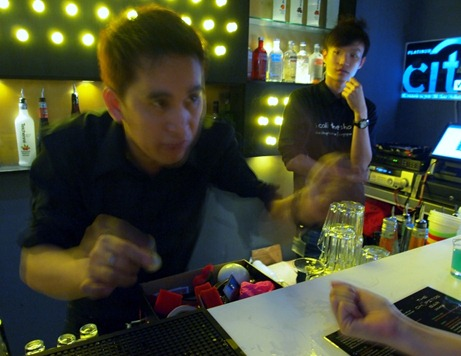 Chupitos Bar: Magic Tricks