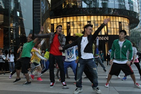 Glee Flash Mob Star World 3 (1024x683)