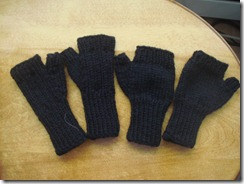 Black FingerlessMItts2