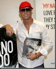 cristiano-ronaldo-moments-book