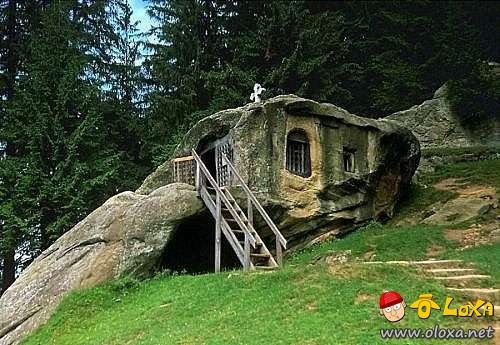 houses-built-in-nature-10