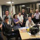 Quatre équipes en reportage , deux monteurs , une secrétaire, pour la bonne marche de la soirée