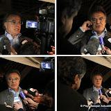 Tard dans la soirée, conférence de presse improvisée d'Alain Afflelou