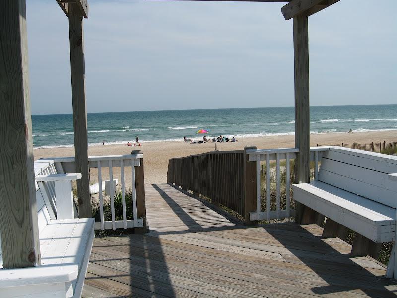 walkway2 - Spinnakers Reach at the beach - Emerald Isle North Carolina