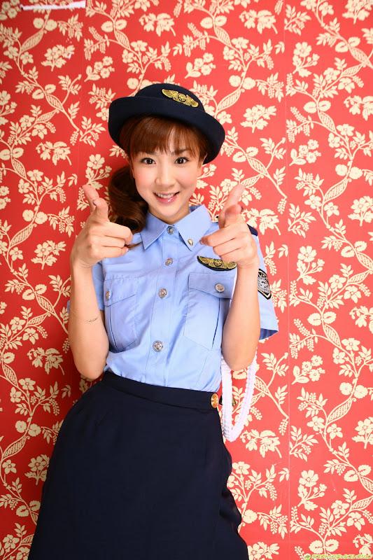 星野亞希爆乳警官小姐制服寫真照片4