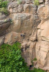 Escalando en Arico01