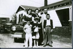 Peggy_&_Family[1]b