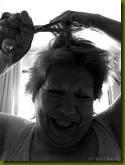 abuela con tijeras