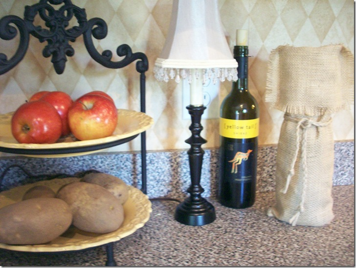 Burlap Wine Bag and mini lamp 050