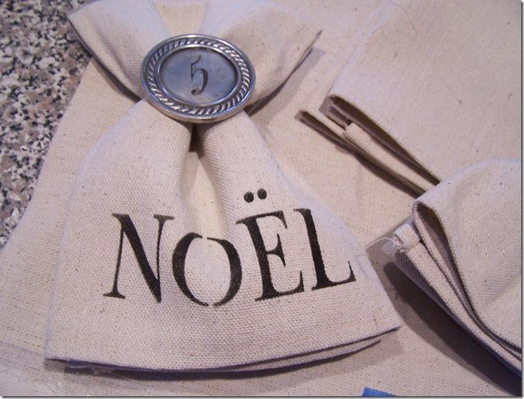 Napkin with Noel 007