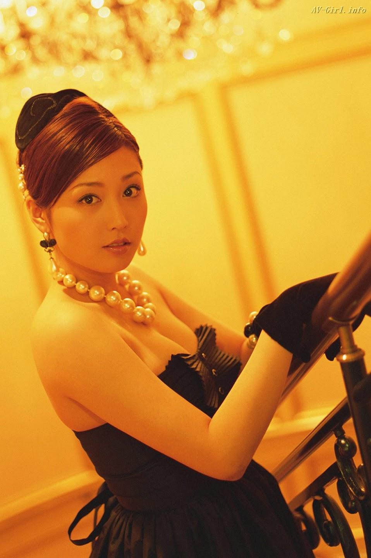 http://lh3.ggpht.com/_Te08WZ7ONNg/S2U4IKPtI7I/AAAAAAAAWG4/eUOBjzjp2Lg/s1440/Yoko-Mitsuya-sexy-office-lady-gooogirl.com-3612.297090.jpg