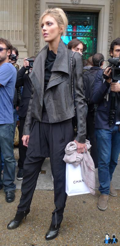 Chanel model spring 2010
