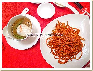 Old Hong Kong Legend Michelin Chef Ng Hangzhou Fried Noodles and Brasenia Fishballs 金雕玉器(配)蓴菜鱼圓