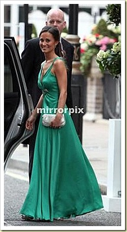 PIPPA MIDDLETON, bridesmaid and sister to Kate Middleton with ZETA CLUTCH IN CHAMPAGNE GLITTER FABRIC