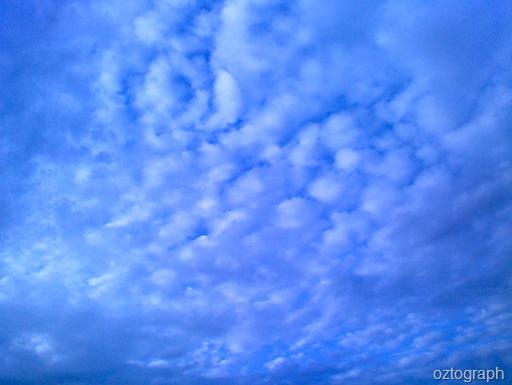 awan biru