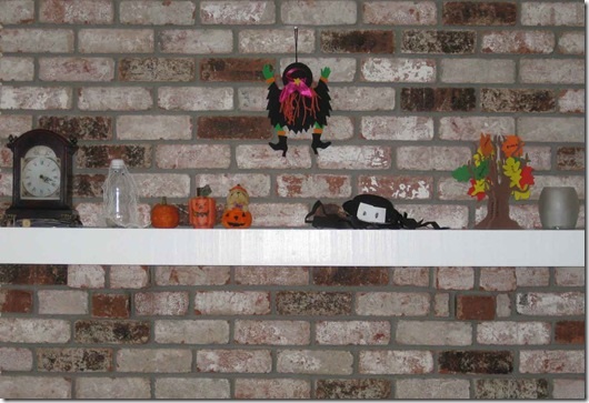 Halloween-decorations-and-Mom's-shoes-003