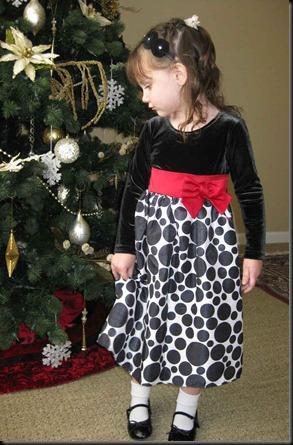 Gwen's-Christmas-dress-005