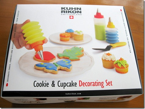 cookie and cupcake decorating set