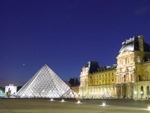 Clichk to enter Paris Photos Page