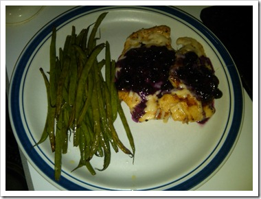 plated blueberry chicken