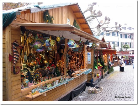 The centre of Rudesheim's Xmas market.