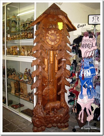 That's a cracker of a cuckoo clock. Only 4999 Euro's.