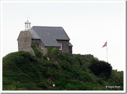 The Little Chapel on the hill. There has always been a lighthouse there since the Middle Ages. Henry VIII closed the Chapel in 1540.