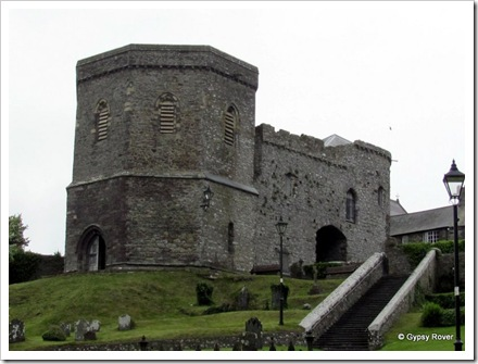 Porth Y Twr is the only surviving 14thC gatehouse to the Cathedral Close with it's attached bell tower.