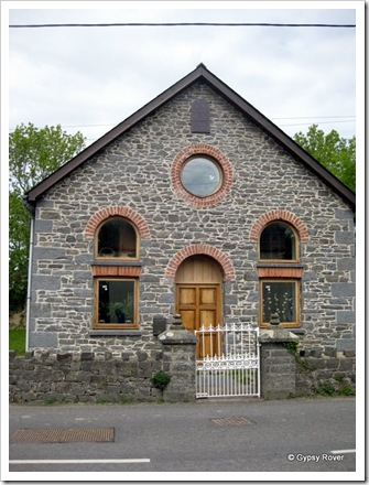 A school or church built 1872, restored 1910 and again in 2009 as a residence.