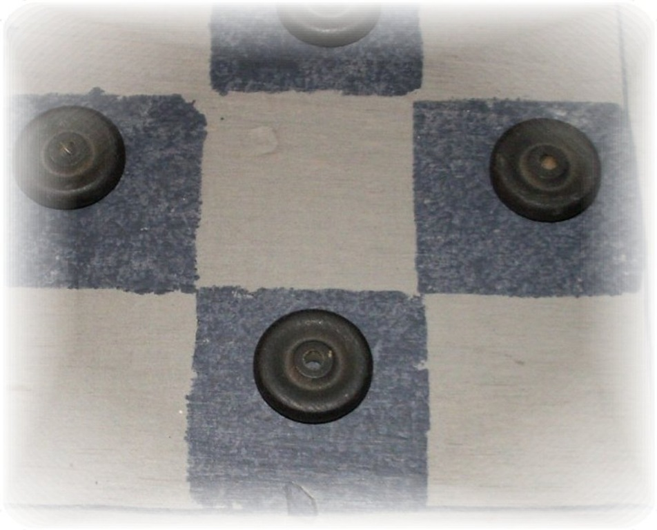 [checkerboardcloseup[10].jpg]