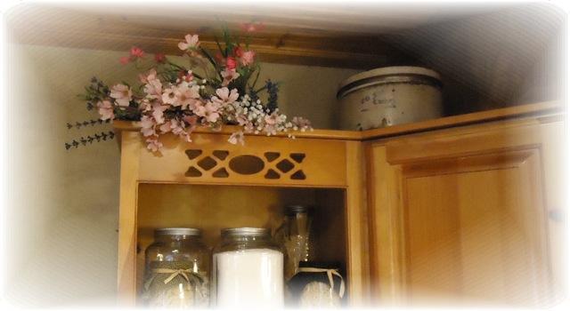 [Pink on cupboard[4].jpg]