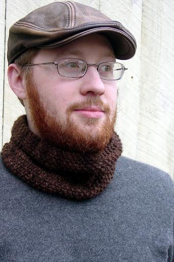 Free Pattern: Simple Seed Stitch Neck-Warmer |