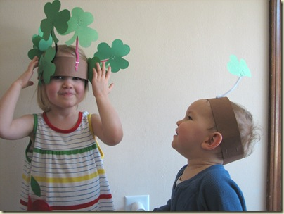 Happy St. Patrick's Day – and a simple craft for kids!