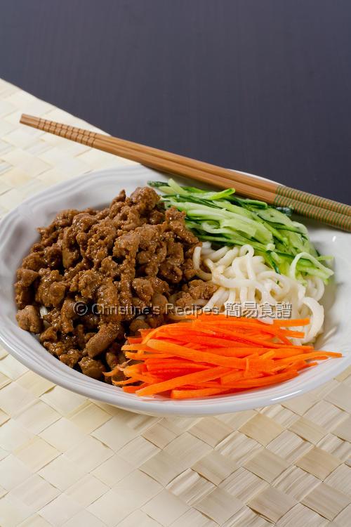 Shanghai Zha Jiang Noodles 炸醬麵01