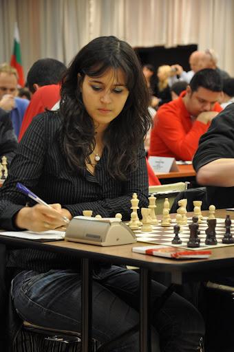 Ved siden av sjakkturneringen skal det kåres Ms. ECC 2010, der Marie Boyard fra Luxembourg er naturlig favoritt