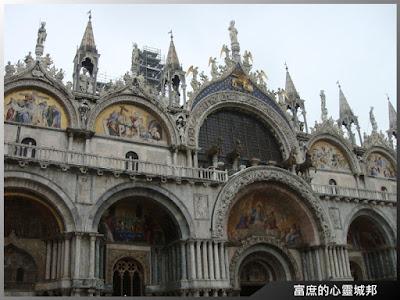 充滿多國藝術風情的聖馬可大教堂