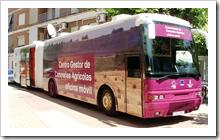 El autobús del SEPECAM ya estuvo en Almodóvar el pasado año.