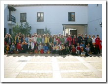 Imagen de familia de los escolares que tomaron parte en la acción.
