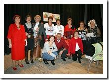 Cuadro actoral, junto a la directora del grupo de teatro del Centro de Mayores de Almodóvar del Campo.