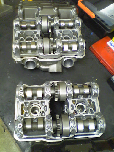 Honda RC 30 Image15