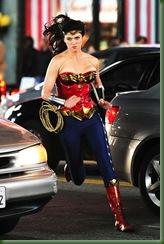 Mulher-Maravilha-uniforme-alterado-30mar2011-14
