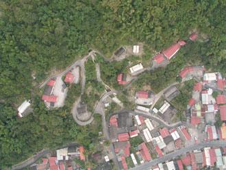 小林村原來的空照圖,當時還是屋舍林立。