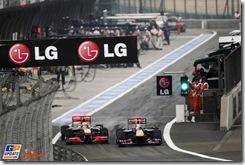 Hamilton_Vettel151300