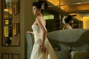 Foto malam, Pernikahan, Gaun pengantin, Manohara