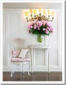 lucas allen photography gran candelabro pared consola y sillas decapadas en blanco