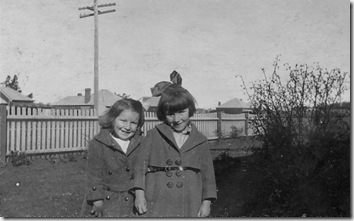 Edna and Helen Drummond Glen Innes 1920