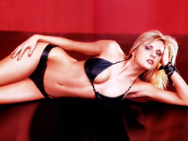 Sexy  hot girls slideshows gallery