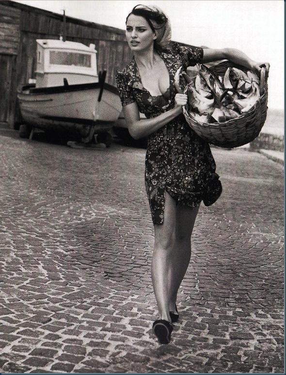 Catrinel-Menghia-Bella-Diva-26-1008x1024