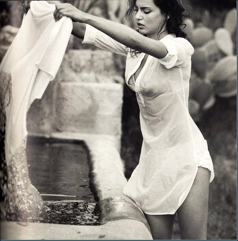 Catrinel-Menghia-Bella-Diva-43-1011x1024