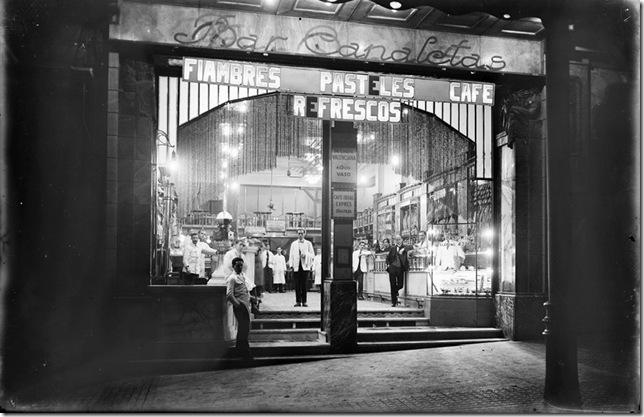 branguli -  Bar Canaletas, en la Rambla de Canaletas de Barcelona (1920-1925)